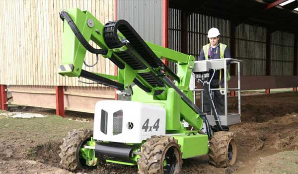 this 4x4 cherry picker is ideal for working on uneven ground